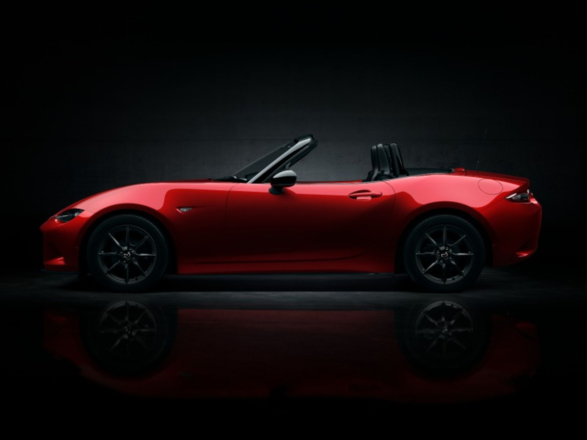 Mazda Unveils the New Miata MX-5 Roadster