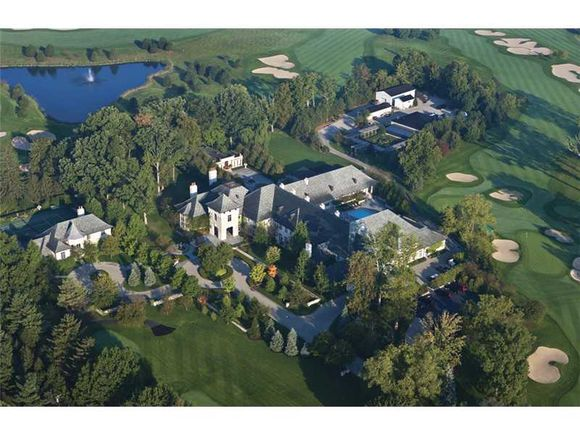 Estate For Sale in Indiana With Its Own Golf Course!